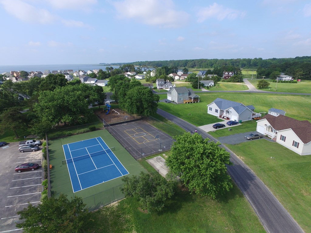 Tennis, anyone? Amenities included with your dues!