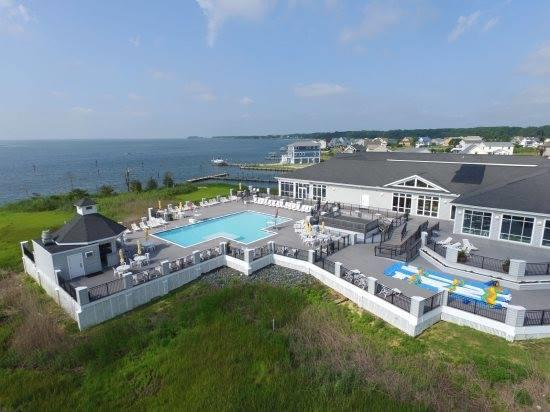 Captain's Cove Bay Front Pool